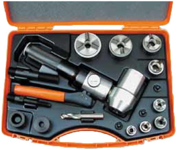 Пресс с поворотной головкой и набором штампов TriCut+ для изготовления отверстий под кабельные патрубки PG 9 — PG 42