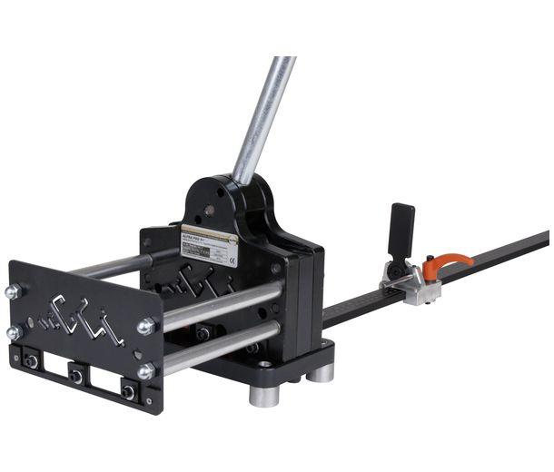 03001 Инструмент д/обработки DIN-реек в комплекте с продольно-поперечным пуансоном 12,0х6,4 мм, 1000 мм упором и направляющим устройством